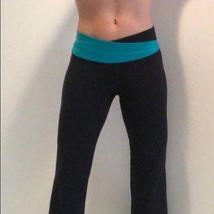 Lululemon Astro Luon Black Turquoise Yoga Pant
